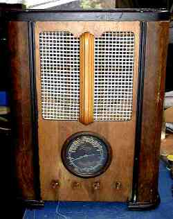 Luxor Radio Before Restoration