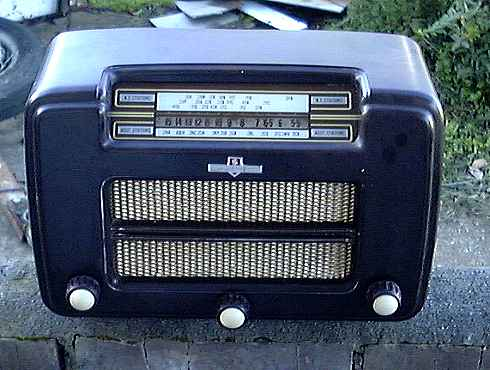 Sheffield B54 Bakelite Radio.